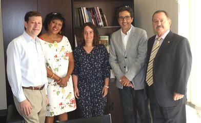 La concejala con los interlocutores de la UNESCO.
