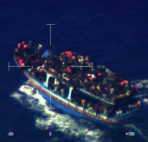 La embarcación pretendía alcanzar las costas italianas procedente, presumiblemente, de Egipto.