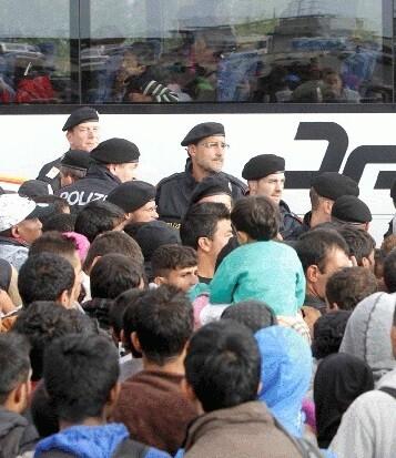 Las autoridades locales informaron que no hubo problemas en el traspaso de la frontera.
