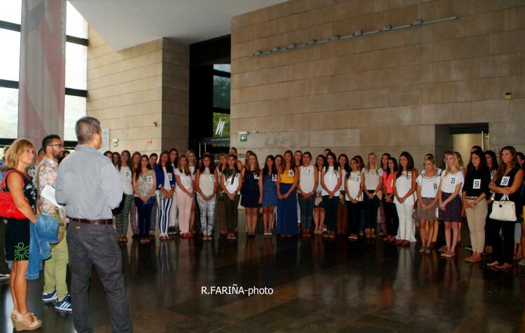 Las candidatas a Cortes y Fallera mayor de Valencia vistan el IVAM (8)