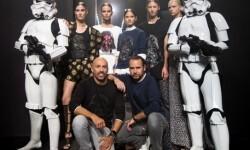 Los Soldados Imperiales han custodiado a las modelos y los diseñadores en el backstage del desfile (8)