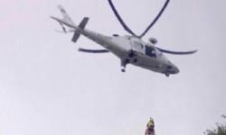 Los bomberos rescatan  a dos hombres a 600 metros de altura en la Cova de Parpalló. (Foto-Bomberos).