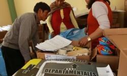 Probable victoria del 'No' a la autonomía de 5 regiones en el referéndum de Bolivia.