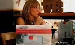 Reyes Monforte es la autora de 'Una pasión rusa'. (Foto-R.Fariña-Valencia Noticias.)