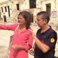 Sandra Gómez visita la antigua fábrica de Cervezas Turia para comprobar los trabajos de extinción.