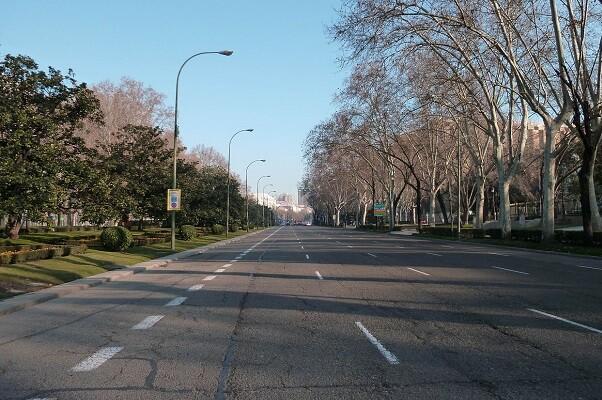 Una avenida sin coches.