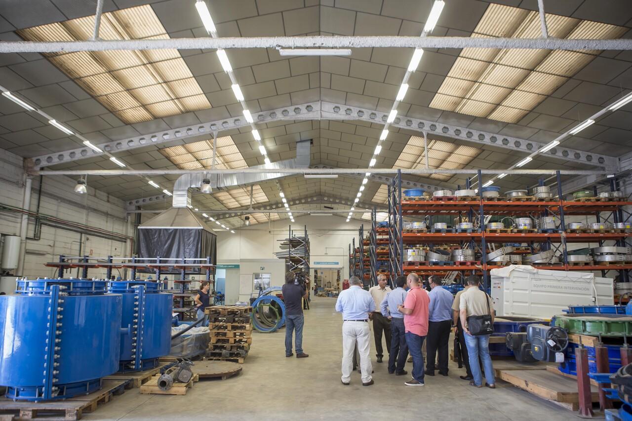 Una delegación palestina descubre la gestión tecnológica del grupo Aguas de Valencia (1)