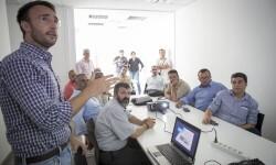 Una delegación palestina descubre la gestión tecnológica del grupo Aguas de Valencia  (3)
