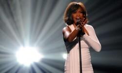 Whitney Houston vuelve al escenario en forma de holograma