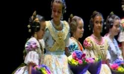 rostros de emoción en  Corte de honor y candidatas a Fallera Mayor Infantil de Valencia fallas (17)