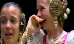 rostros de emoción en  Corte de honor y candidatas a Fallera Mayor Infantil de Valencia fallas (26)