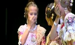 rostros de emoción en  Corte de honor y candidatas a Fallera Mayor Infantil de Valencia fallas (29)