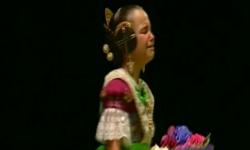 rostros de emoción en  Corte de honor y candidatas a Fallera Mayor Infantil de Valencia fallas (4)