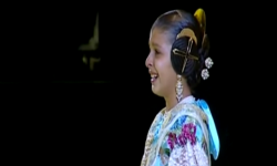 rostros de emoción en  Corte de honor y candidatas a Fallera Mayor Infantil de Valencia fallas (42)