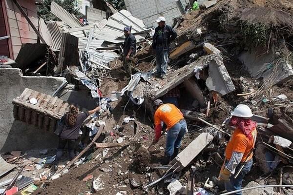 273 muertos y más de 260 desparecidos son por el momento las cifras del alud en Guatemala.