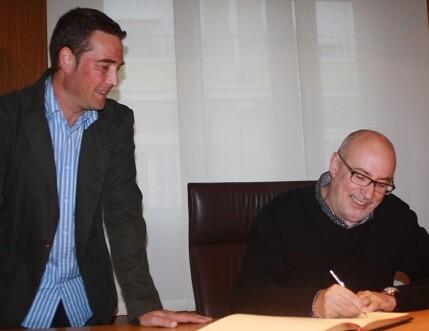 Alcaraz es el primer conseller que visita la comarca de en esta legislatura.