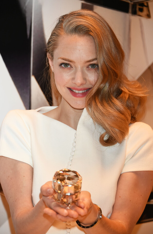 TOKYO, JAPAN - OCTOBER 09:  Amanda Seyfried attends the promotional event for Shiseido's Cle de Peau Beaute at the Palace Hotel on October 9, 2015 in Tokyo, Japan.  (Photo by Jun Sato/Getty Images for Shiseido) *** Local Caption *** Amanda Seyfried