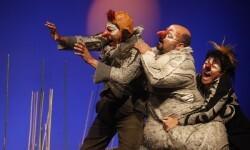 Calabuig valora la posibilidad que Valencia albergue una festival de teatro internacional.