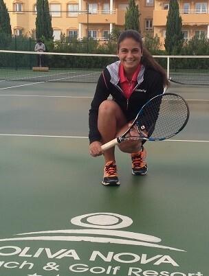 Carla Pons con tan solo 16 años es una de las jóvenes promesas valencianas del tenis.