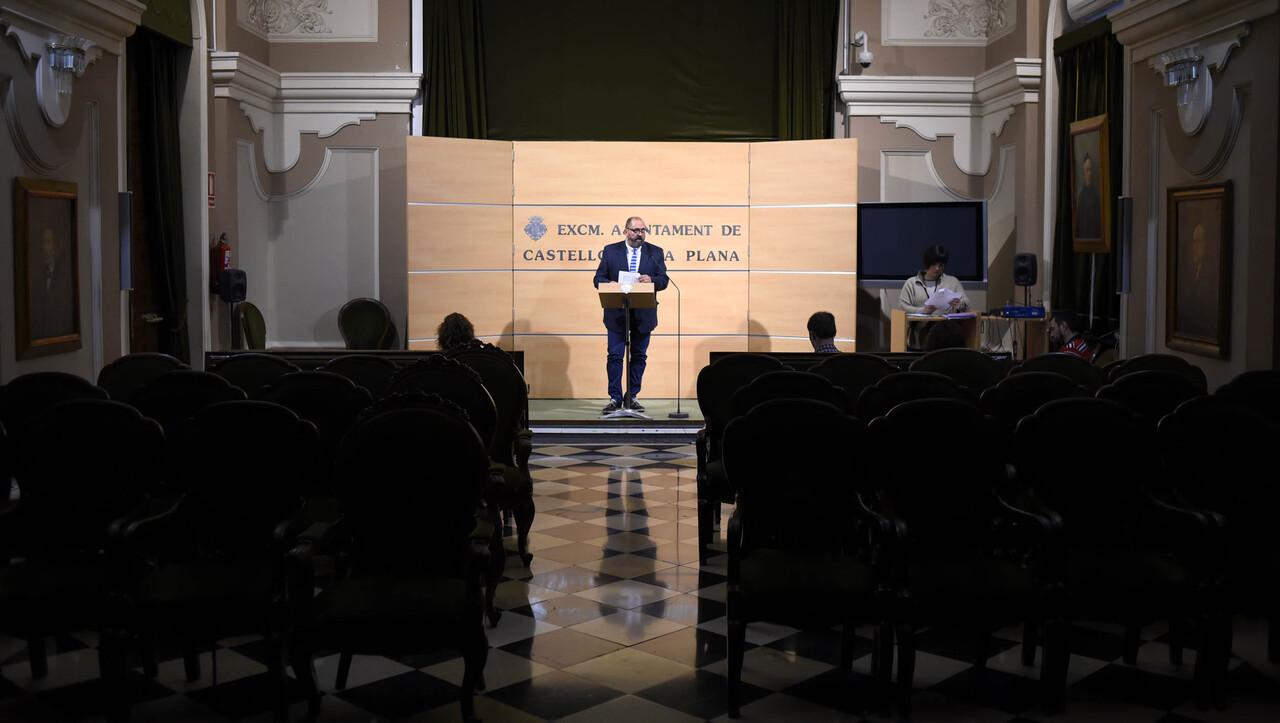 Castellón acuerda con el Coto Arrocero la reparación del socavón del Aeroclub (1)