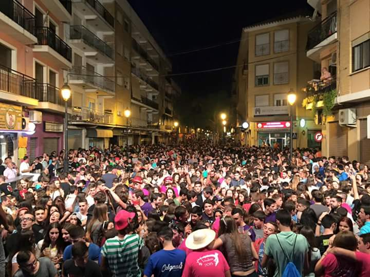 Centenares de persoanas asistieron a la fiesta de las paellas