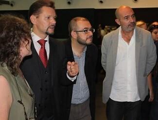 El consúl de Lituania, Irnius; el director del Museo, Rafael Company; y el diputado de Cultura, Xavier Rius.