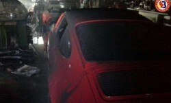 Diez vehículos se vieron afectados por el incendio de un garaje en Riba-Roja.
