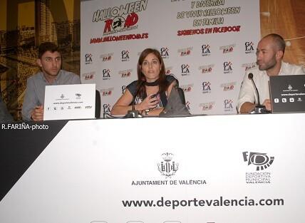El objetivo, además de divertirse, es participar con el mejor disfraz. (Foto-Valencia Noticias).