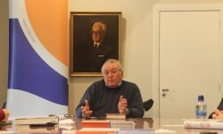 El profesor Paul Preston será investido Doctor Honoris Causa por la Universitat de València.