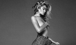 El topless de Gigi Hadid para Vogue (1)