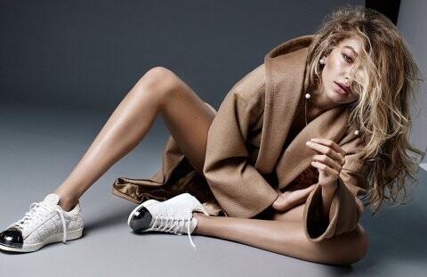 El topless de Gigi Hadid para Vogue (2)