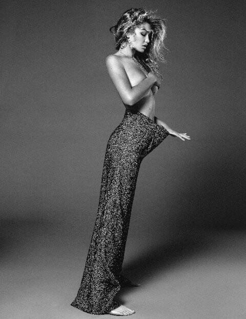 El topless de Gigi Hadid para Vogue (4)