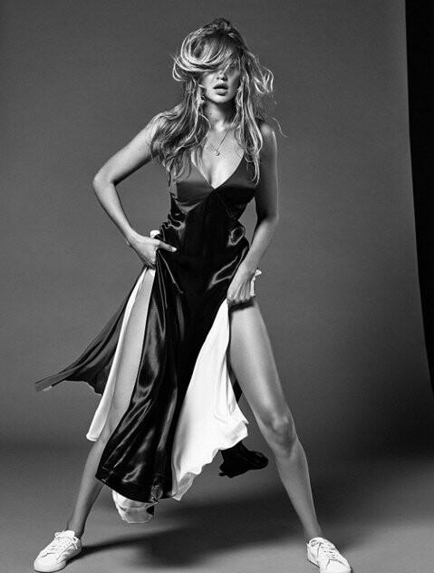 El topless de Gigi Hadid para Vogue (6)