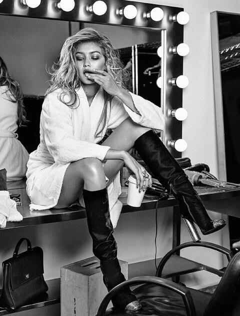El topless de Gigi Hadid para Vogue (7)