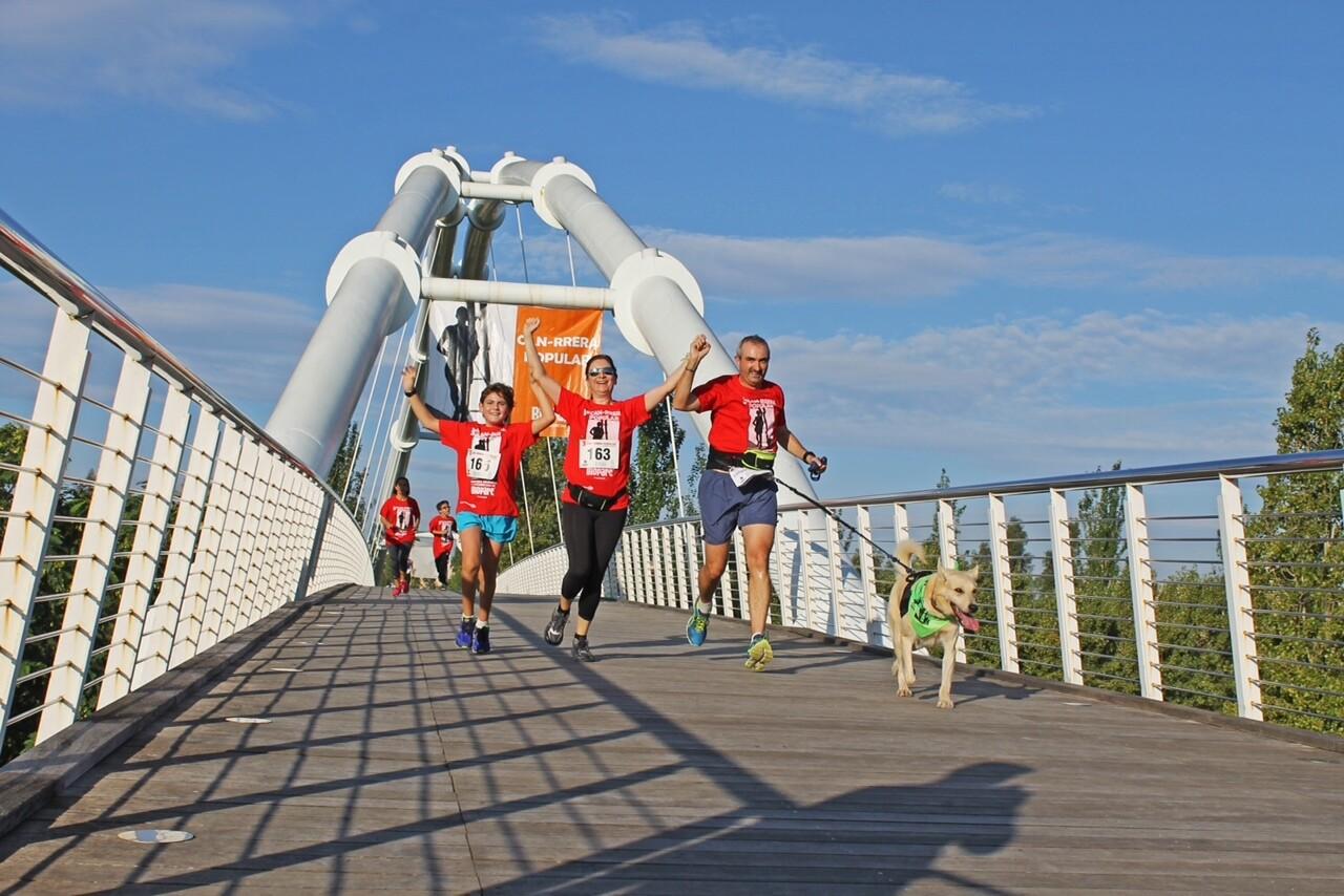 Familia corriendo en 3º CAN-RRERA BIOPARC Valencia