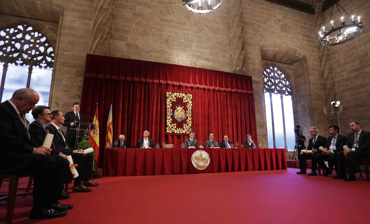 Galería del acto de entrega de los Premios Rey Jaime I 2015 celebrado en La Lonja (1)