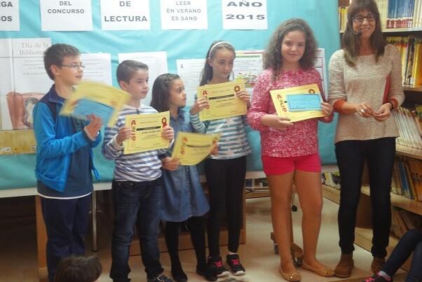 La Biblioteca Municipal de Chiva entrega los premios del concurso 'Leer en verano es sano'.