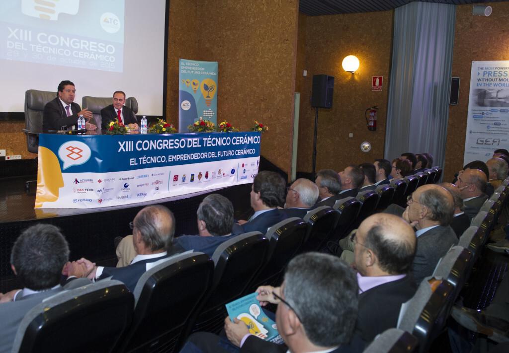 La innovación centra la ayuda de la Diputación a los técnicos cerámicos con herramientas informáticas y financiación europea