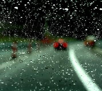 Lluvia, viento y bajas temperaturas suponen una amenaza para la seguridad vial.