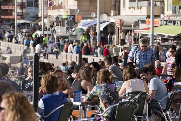 Más de 265.000 personas trabajaban en el sector turístico en la Comunitat en el tercer trimestre del año.