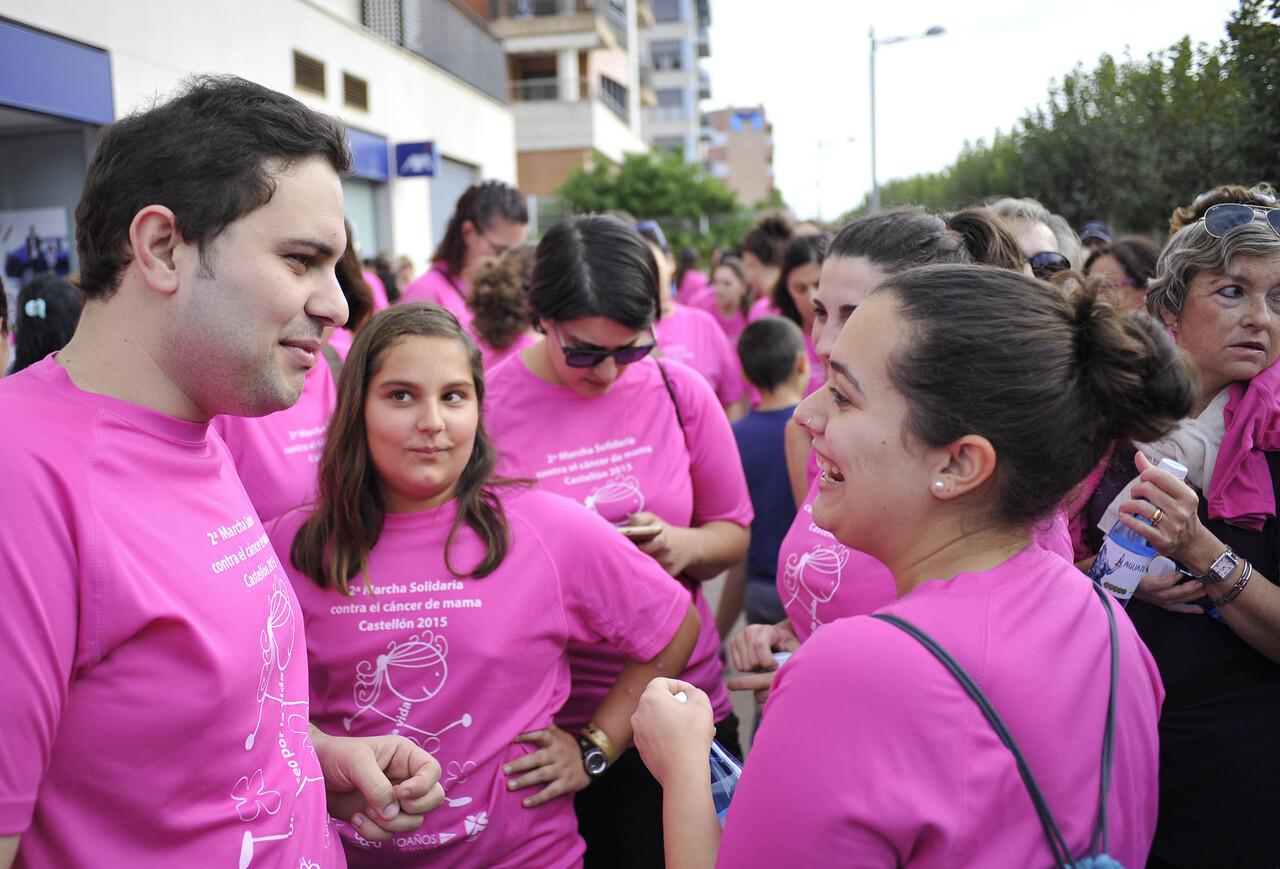 """Marxa solidaria contra el cancer de mama en castellon """"Un paseig per la vida""""."""