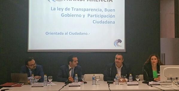 Otra mesa trató el tema de la contratación pública y los cambios que éstos sufrirán por la implantación de Ley de Transparencia.