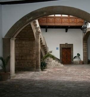 Patio del Palacio del Marqués de Malferit.