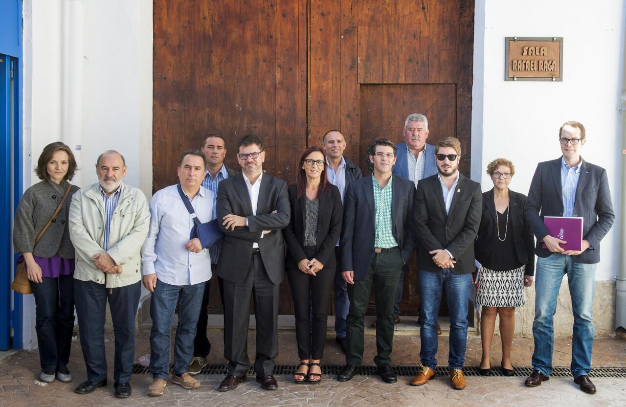 Reunión alcadles de la comarca en Buñol foto_Abulaila (10)