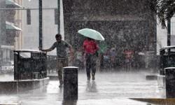 Todo el litoral de la Comunitat se encuentra en alerta ante la posibilidad de fuertes lluvias.