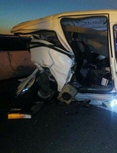 Un Range Rover colisionó con una furgoneta.