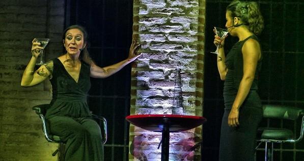 Antonia Zurera y Alicia Remesal en ' class=