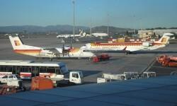 Aterriza un avión en Manises tras el fallecimiento de uno de sus pasajeros.