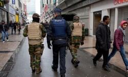 """Bélgica rebaja el nivel de alerta al tres en Bruselas aunque mantiene medidas """"concretas""""."""