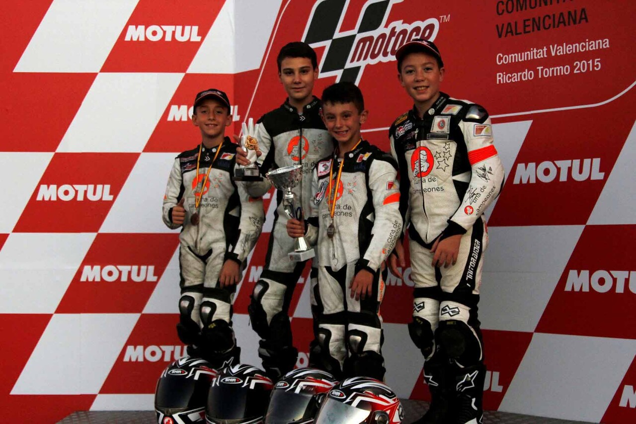 Campeones-Pedro-Acosta-MiniGP-110-Adrián-Carrasco-Premoto4-Marco-García-Minimotos-y-David-Salvador-MiniGP-140-v2